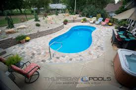 Medium Pool Designs Are You Looking For A Medium Sized Fiberglass Pool This