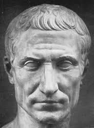"""Fue """"el protagonista absoluto de la historia de la Roma antigua"""", según los expertos. La historia y el mito de Julio César están expuestos desde hoy en el ... - Busto_piedra_Julio_Cesar"""