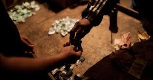 Resultado de imagem para imagens Homem que vendia drogas para alunos de escola em Petrolina é preso