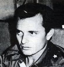 Pedro Luis Diaz Lanz nacio el 8 de Julio de 1926 en La Habana y muere en Junio del 2008 en Miami. Fue el Jefe de la Fuerza Aerea Revolucionaria de Cuba y ... - pedro10