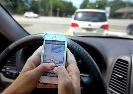 Resultado de imagem para o celular enquanto dirige