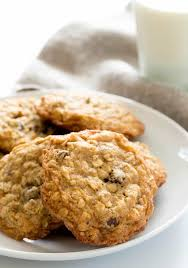 this simple recipe for thick and chewy gluten free oatmeal cookies is crispy around the edges