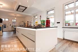 Siematic Designer Küche in Kombination mit Fussboden Holz Optisch