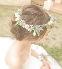 花冠 上から このくらい小ぶりな花冠が 可愛いと思う 結婚式