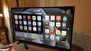 LUXOR 55-inch Smart 4K ULTRA HDR LED TV-,built in Wifi,Freeview HD,Netflix, EXCELLENT CONDITION