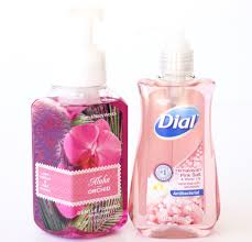 it s true i love the foaming suds but not the here s how to keep your hands clean with this frugal tip for making your own diy foaming hand soap