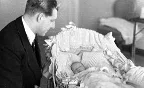 Resultado de imagen de fotos de cuando nacio juan carlos 1
