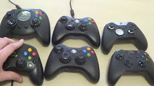 Xbox 360 Bottom Left Red Light Evolution Of Xbox Controllers From Left To Right Top Row