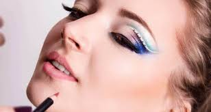 professional makeup academies are not like regular colleges which give only theoretical to students and what student get at the end of the makeup