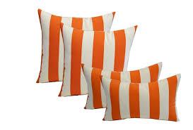 set of 4 indoor outdoor pillows 17 square throw pillows 11