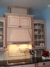 Cleaning Kitchen Cabinet And Bath Cabinet Mullion Glass Doors Ccs