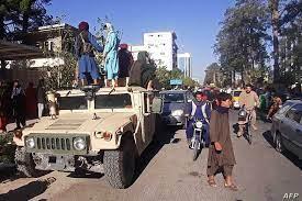 """طالبان تواصل تقدمها وتقترب من كابل.. وبريطانيا """"قد تعود إلى أفغانستان"""""""