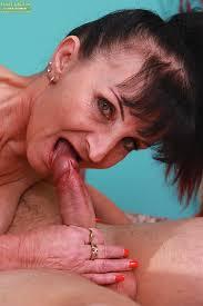 Old women who deepthroat