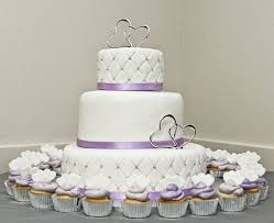 The 25+ best Quilted wedding cakes ideas on Pinterest | Diamond ... & quilted wedding cake, I really like the quilted look for the third tier of  my Adamdwight.com