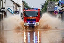 الفيضانات تغرق البنية التحتية للطاقة في ألمانيا.. الآلاف في ظلام دامس