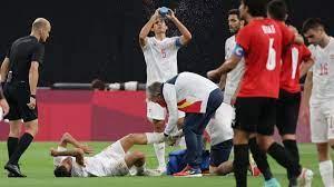 الألعاب الأولمبية الصيفية 2020 .. سيبايوس ينشر صورة حديثة لإصابته أمام  منتخب مصر الاولمبي