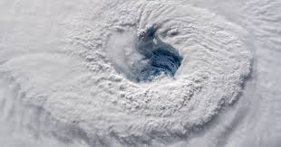 hurricane florence replaced its eyewall what does that mean