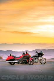 Honda Gold Wing F6B vs. H-D CVO Road Glide- Comparison Test Review ...