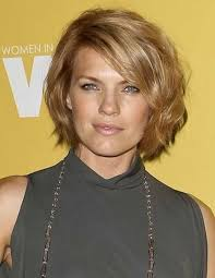 gorgeous haircuts for wavy hair and round face
