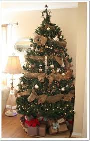 Burlap garland to decorate a Christmas tree! It's cheap and cute :) I will