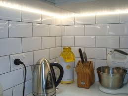 led strip lighting under wall cabinets in kitchen