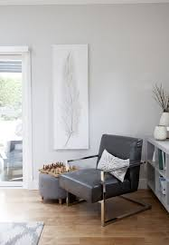 Modern and simple family room decor // home design inspiration via ...