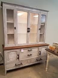 farmhouse furniture style. The Modern-Day Farmhouse Style Is Super Popular Among Today\u0027s Home Décor And DIY Industry! It A Rusty, Comfy, Shabby Chic That Has Been All Over Furniture