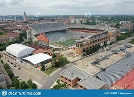Vues Aériennes De Darrell K Royal-Texas Memorial Stadium Sur Le Campus De  L'Université Du Texas Photographie éditorial - Image du stadium, royal:  147873312