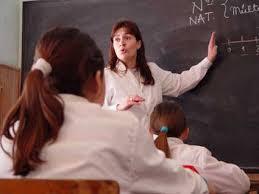 Resultado de imagen para imagenes de niños con guardapolvo blanco
