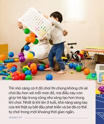 Bố mẹ nào cũng mua đầy đồ chơi cho con nhưng trẻ nhỏ có thực sự thích hay  không, xem clip này sẽ rõ