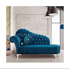 Untuk menambah inspirasi anda dalam interior ruang keluarga, yuk simak 7 desain ruang keluarga lesehana yang hemat biaya dan bisa di contoh, yang sangat cocok di terapkan di rumah apalagi di bulan puasa seperti ini. Sofa Santai Ruang Keluarga Castello Furniture Jepara