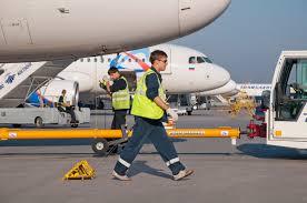 Уральские авиалинии Скуратов В зарубежной практике есть случаи когда авиакомпании собственники судов перепродавали их на открытом