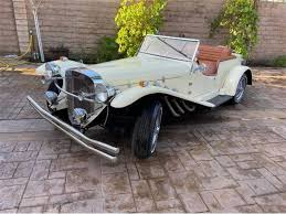 The name is an abbreviation of super sport kurz, german for super sport short. 1928 To 1930 Mercedes Benz Ssk For Sale On Classiccars Com