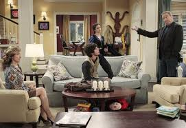 Last Man Standing Coat Rack Love the design and colours of the lounge room in the tv show Last 2