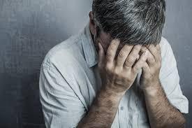 pressure or pain behind the eye causes