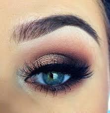 lovely eye makeup for prom