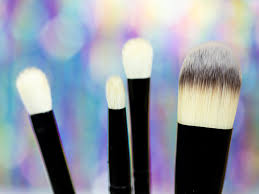 how to clean makeup brushes easily and