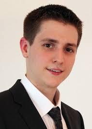 Autor Martin Zimmermann ist heute Systems Engineer bei Atlantis Informatik in Arisdorf. Eine integrierte Ausführungsumgebung wird man bei einem ... - martin_zimmermann_Hochschule_Luzern