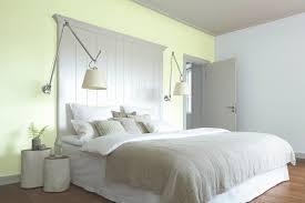 Schlafzimmer Zweifarbig Gestalten Inspirierend Wand Streichen