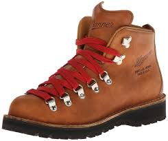 danner women s mountain light cascade hiking boot