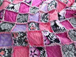 How to make a rag quilt - So Sew Easy & I always wondered how to make a rag quilt, and this is a great tutorial Adamdwight.com