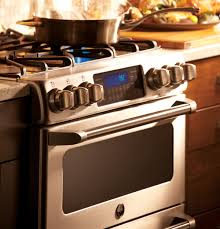 ge café™ series 30 slide in front control gas double oven product image