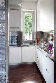 Parete cucina con finestra ~ trova le migliori idee per mobili e