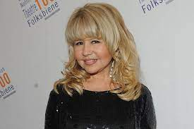 Pia Zadora fights back against being a punchline