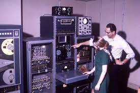 Картинки по запросу 1991 Появился первый интернет-сервер