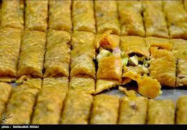 Тегеран столица сладкоежек Иран Сегодня Сохан поливают розовой водой и сдабривают сливочным маслом Не знаю что думают на этот счет читатели но большинство из компонентов этой сладости вкусны и