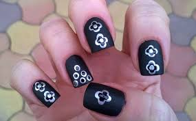 Life World Women: Black matte nail art with silver dotted design