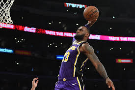 Lakers vs. Pelicans Final Score: Huge shot from LeBron James helps L.A.  hold on in must-win game - Silver Screen and Roll