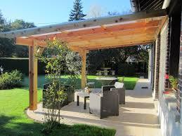 Pergola Murale Bois 6 06 X 4 00 M Couverture Polycarbonate 16mm Belle Terrasse Avec Cuisine Coin Repas Et Pergola En Bois Couverte