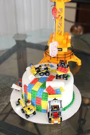 An Amazing Lego Cake {My Little Boy is 5!} -   Gâteau d'anniversaire lego,  Gâteau d'anniversaire enfants, Idée gateau